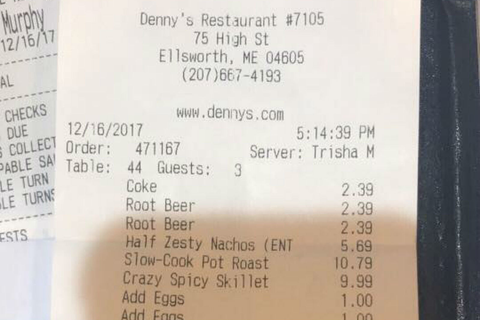 Maine Server at Denny\'s Gets The Tip of a Lifetime